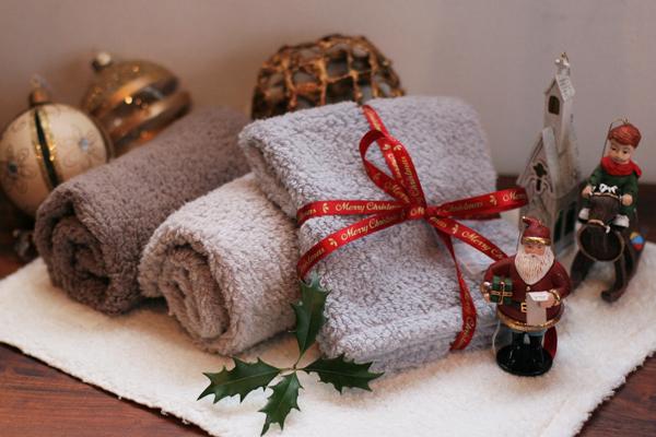 evam evaのクリスマス限定タオル